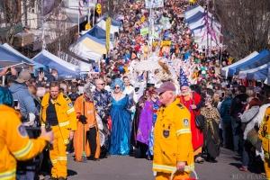Grand parade coming through