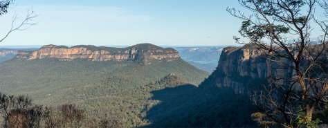 Mount Solitary panoramic view from Narrowneck plateau in Katoomba